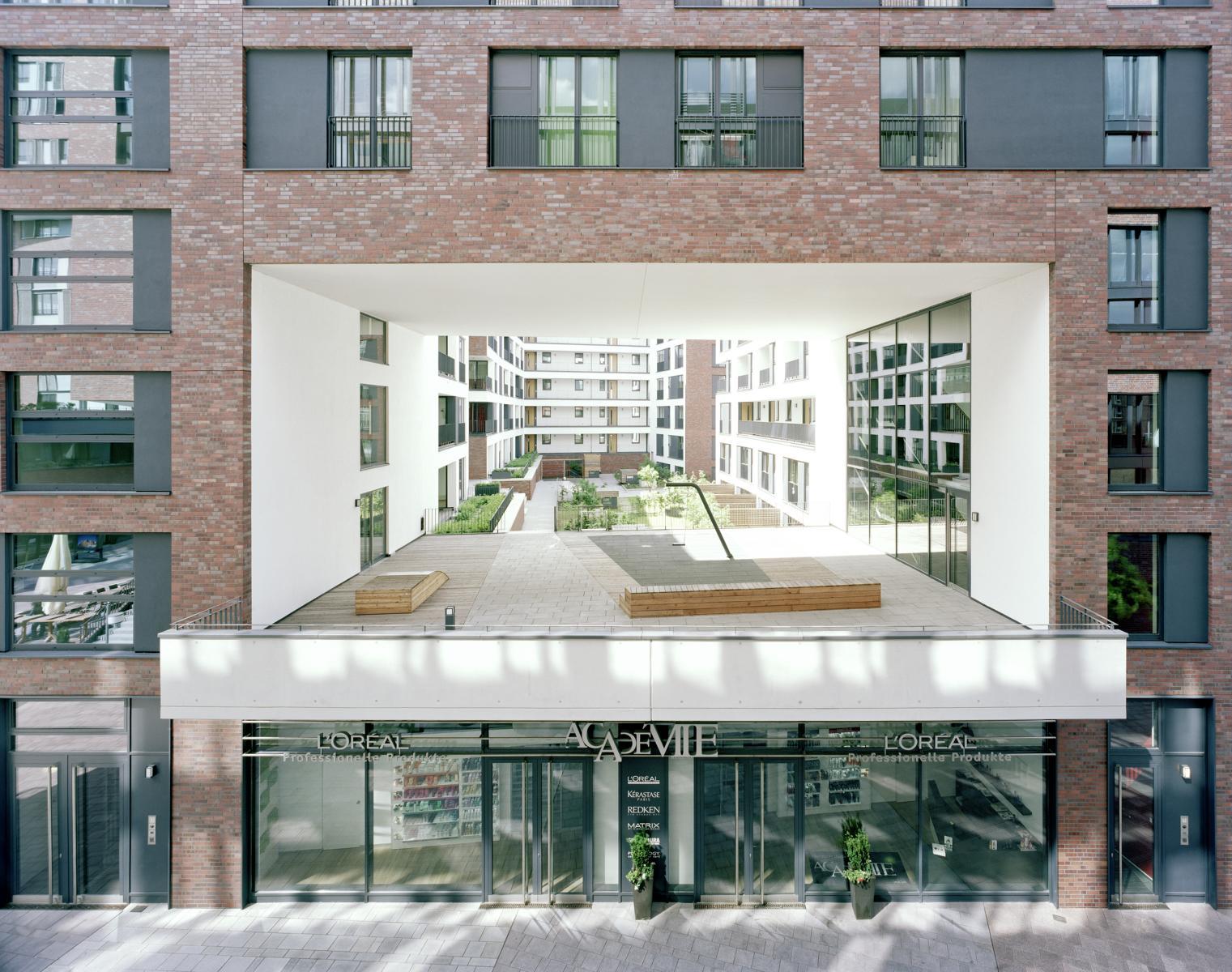 pacamara hafen city in hamburg. Black Bedroom Furniture Sets. Home Design Ideas