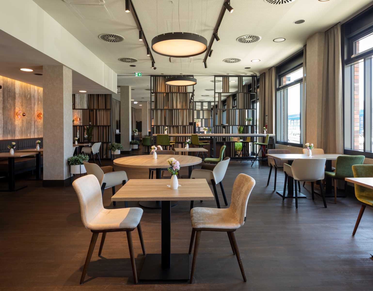 K1600_20200624_050_Prasch Buken Partner Architekten ©DUCKEK NH Hotels niu Hotels Mannheim__G9A5672-Pano