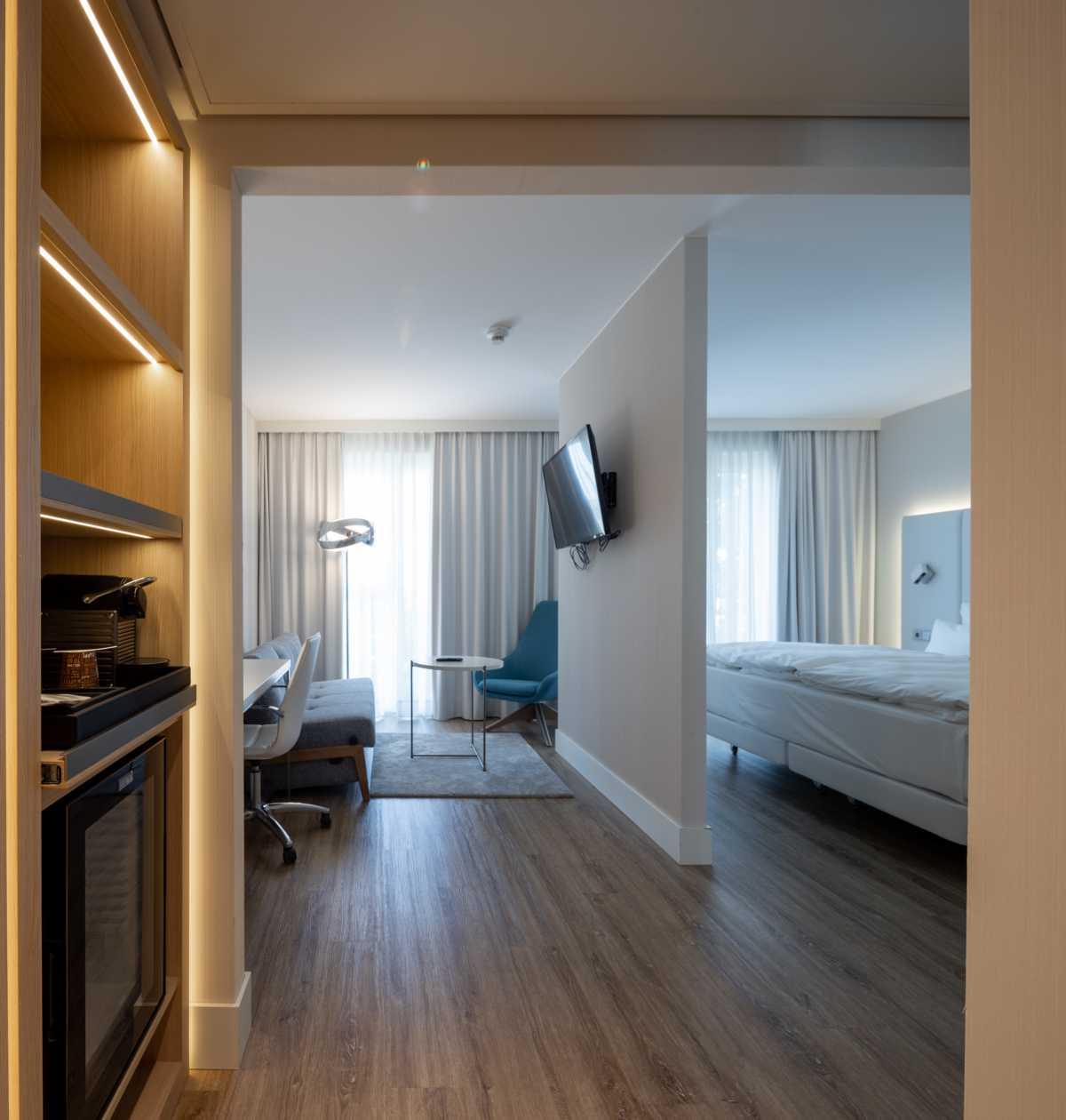 K1600_20200624_073_Prasch Buken Partner Architekten ©DUCKEK NH Hotels niu Hotels Mannheim__G9A5733-Pano