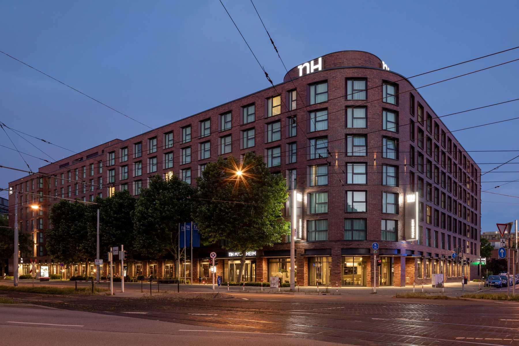 K1600_20200624_129_Prasch Buken Partner Architekten ©DUCKEK NH Hotels niu Hotels Mannheim__G9A5886